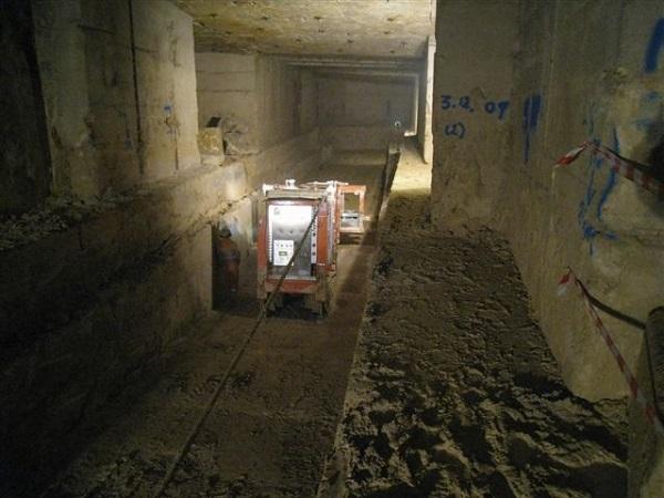 underground bath stone quarry