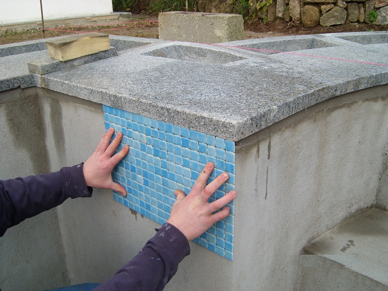 tiling pool by everything stone