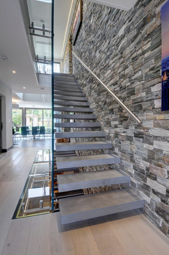 Quartzite wall cladding tiles by Everything Stone