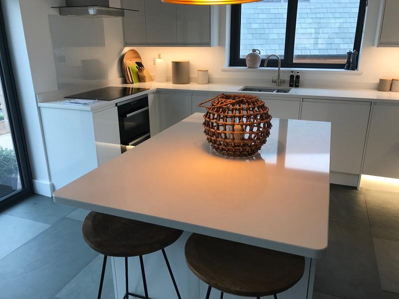 Bianco Assoluto quartz worktops by Everything Stone